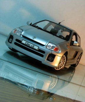Clio_V6_Front_Side1